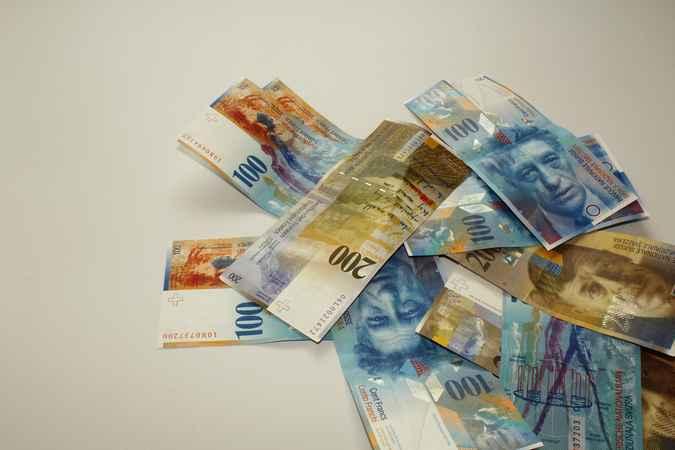 Jak obniżyć ratę kredytu hipotecznego we frankach?