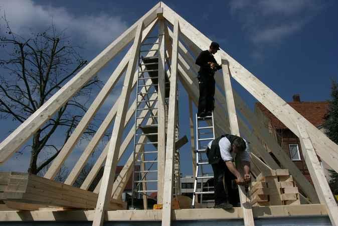 Konstrukcja dachu a koszt budowy domu