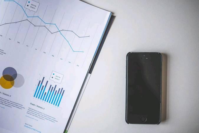 Surowce, nieruchomości, a może akcje – porównanie inwestycji