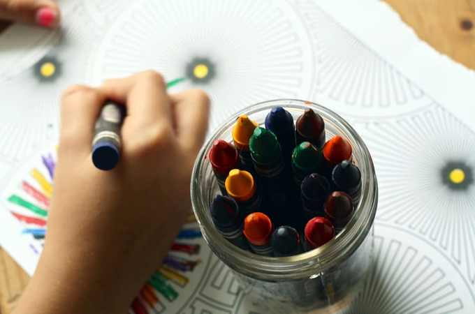 Gdzie zapisać dziecko do przedszkola? Porównanie ofert jednostek publicznych i prywatnych