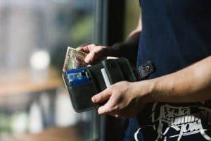 Nowa ustawa antylichwiarska pomoże zadłużonym w parabankach?